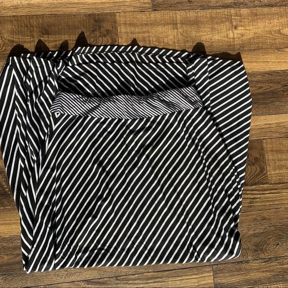 JohnPaulRichard Dresses & Skirts - Black and white striped maxi skirt
